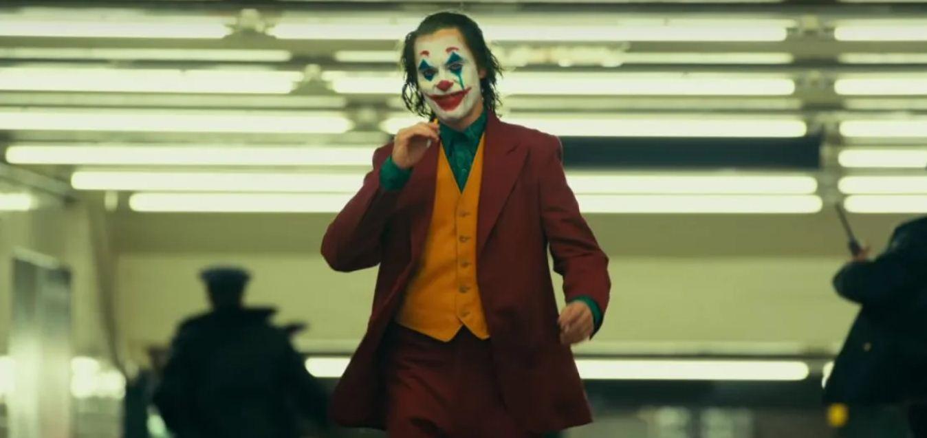 La hipernormalización decadente del sé tú mismo: el Joker de Joaquín Phoenix